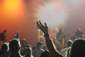 jak zorganizować koncert charytatywny
