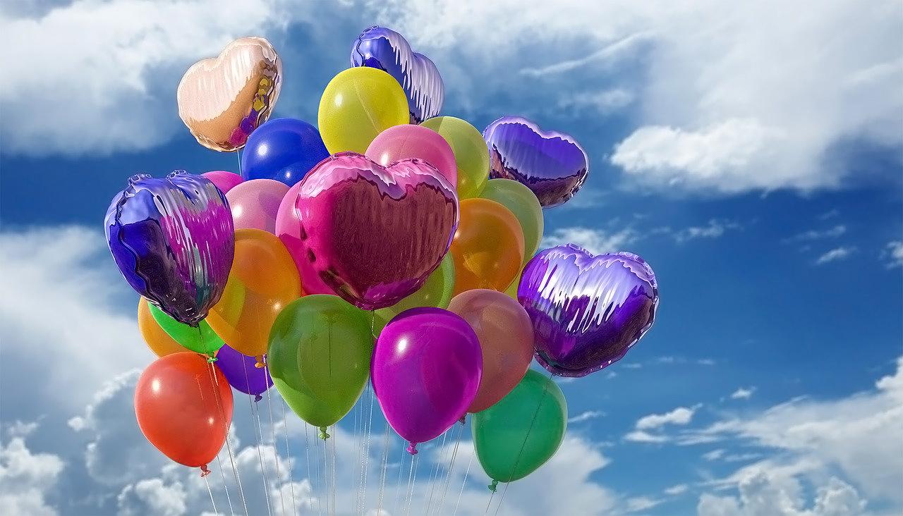 Jakie dekoracje wybrać na pierwsze urodziny?